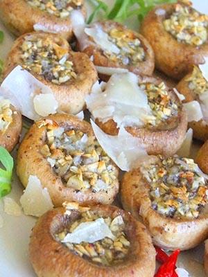 Закуски из шампиньонов на праздничный и повседневный стол