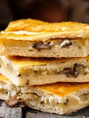 Пироги с картошкой и грибами из разных видов теста