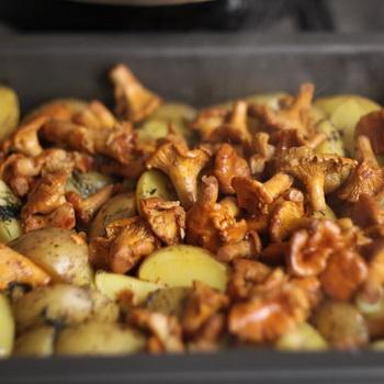 Как приготовить лисички в духовке: простые рецепты
