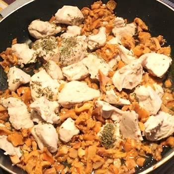 Блюда из лисичек с курицей