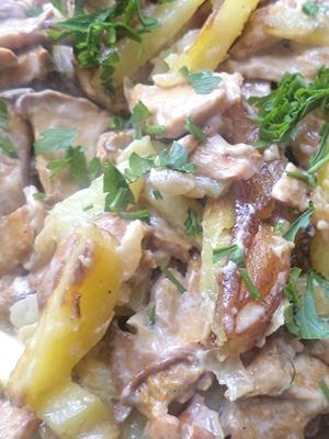 Блюда из лисичек с картошкой в сметане