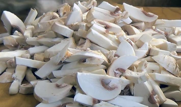 Жюльен из шампиньонов: пошаговые рецепты