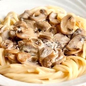 спагетти с шампиньонами в сливочном соусе рецепт с фото