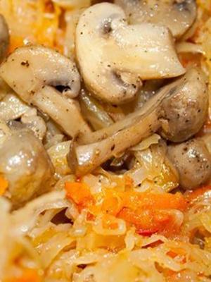 Шампиньоны с капустой: домашние рецепты