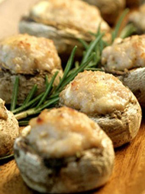 Фаршированные шампиньоны: рецепты закусок
