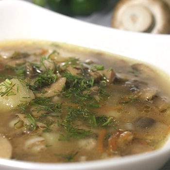 Вкусные супы из консервированных шампиньонов