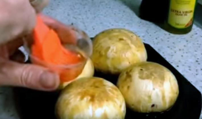 Как можно вкусно приготовить шампиньоны на гриле