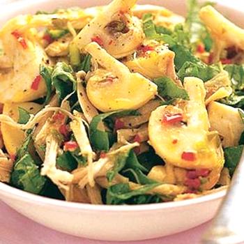 Пикантные салаты с консервированными шампиньонами